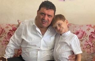"""نقابة الصحفيين تستنكر استدعاء أمن حماس للصحفي """"صخر أبو العون"""" واحتجازه"""