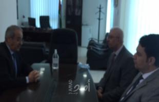 خالد يستقبل القنصل المصري العام لدى فلسطين ويبحث معه التطورات السياسية
