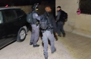 قوات الاحتلال تشن حملة اعتقالات في الضفة والقدس