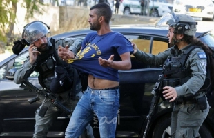 الديمقراطية تحذر من خطورة تصعيد عمليات القمع والاعتقالات الإسرائيلية بالضفة