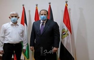 اللواء عباس كامل يضع حجر الأساس لمشروع مدينة السيسي السكنية بقطاع غزة