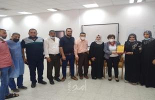 الديمقراطية تكرم المشفى الأهلي العربي بغزة