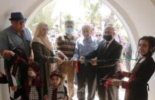 """بلدية غزة تفتح معرض """" تراب وحجارة """" للفن التشكيلي"""