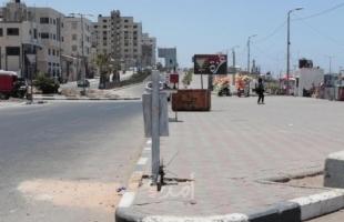 """بلدية غزة تُركب 12 حاوية مطمورة في منطقة """"كورنيش"""" البحر"""