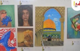 شاهد - بمشاركة 50 فنان وفنانة معرض فني بغزة يحاكي القضية الفلسطينية.