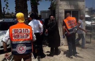 """إعلام عبري: إصابة مستوطن بـ""""قل حديد"""" في الخليل والجيش ينظر للحادث بخطورة"""