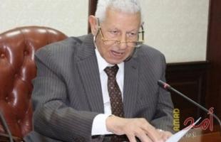 وفاة شيخ الصحفيين العرب الكاتب الكبير مكرم محمد أحمد