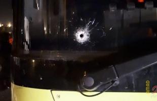 إصابة سائق حافلة إسرائيلية شمال القدس