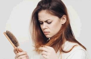 8 نصائح تمنع تساقط الشعر فى الشتاء