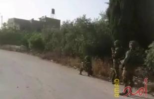 سلفيت: جيش الاحتلال يخطر بوقف البناء في 11 منزلا وملعب وشارع في ياسوف