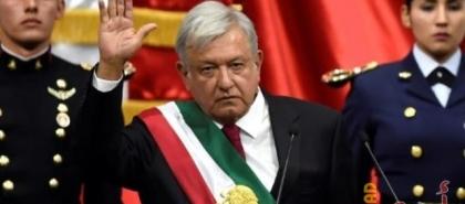 رئيس المكسيك يحصل على جرعة من لقاح أسترازينيكا بمؤتمر صحفي - شاهد