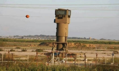 """قوات الاحتلال تطلق """"النار وقنابل الغاز"""" تجاه صيادي العصافير شرق البريح"""