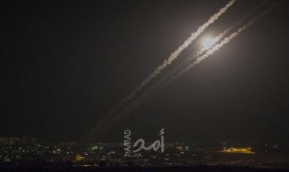 إعلام عبري: إغلاق المعابر وتقليص مساحات الصيد ووقف التصاريح ردا على الصواريخ من غزة