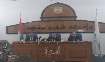 نواب في غزة يطالبون بعدم التعامل مع رئيس السلطة لانتهاء ولايته