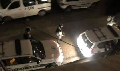 جيش الاحتلال يعتقل فتاة من البيرة ويفتش منازل في كفر مالك