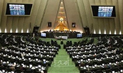 البرلمان الإيراني يستدعي وزير الخارجية بعد أزمة التسريب الصوتي حول سليماني