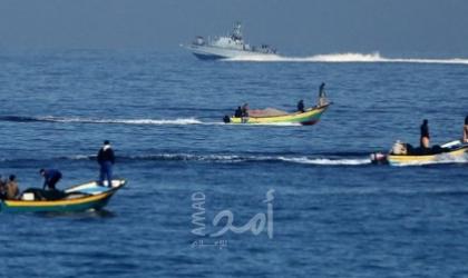 إصابة صيادين جراء محاصرة بحرية الاحتلال لمراكبهم في بحر غزة