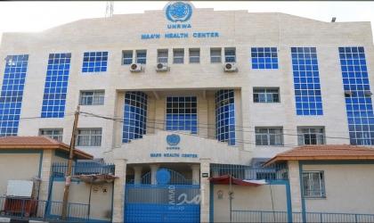 """غزة: """"عوض الله"""" المضرب عن الطعام يحمل إدارة الوكالة المسؤولية عن حياته"""