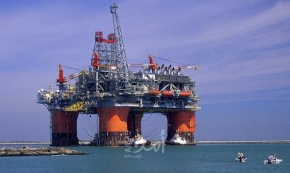 تراجع أسعار النفط بعد تحريك السفينة الجانحة في قناة السويس