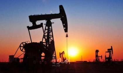 أسعار النفط تهبط بفعل زيادة مفاجئة في مخزونات الخام الأمريكية