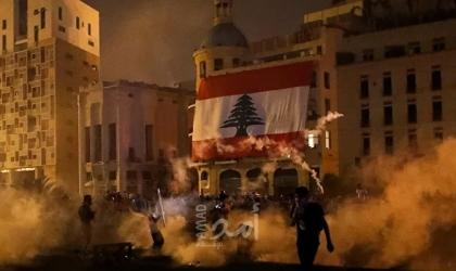 لبنانيون يطالبون بإسقاط الرئيس ومسؤولين آخرين بسبب انفجار بيروت