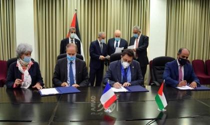 رام الله: الحكومة والوكالة الفرنسية للتنمية توقعان اتفاقية مشروع للمياه والزراعة في قطاع غزة- فيديو