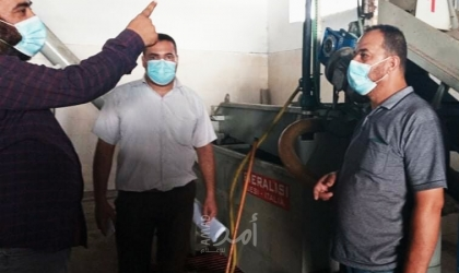 اقتصاد حماس ينظم جولة تفقدية لعدد من معاصر الزيتون