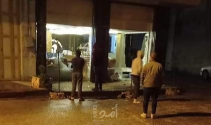 """الخليل: مجهولون يطلقون النار تجاه المحال التجارية في """"وادي الهرية وجبل أبو رمان"""""""