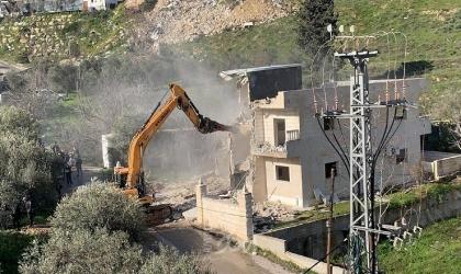 حارس الأقصى فادي عليان.. رفض ابتزاز قوات الاحتلال فهدموا منزل عائلته