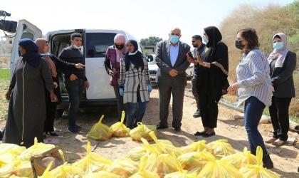 أبو العسل وأبو العينين يتفقدان سير عمل مبادرة دعم ومساعدة النساء الكادحات المعيلات لأسرهن
