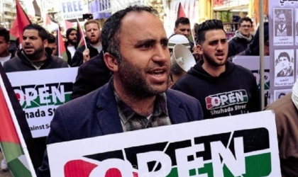 """محكمة الخليل تحكم ببراءة الناشط """"عيسى عمرو"""" من تهم قذف مقامات عليا"""