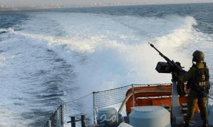 زوارق الاحتلال تهاحم مراكب الصيادين مقابل بحر رفح