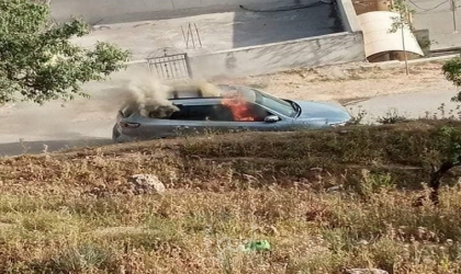 """فيديو حرق السيارة المستخدمة بعملية """"زعترة"""""""