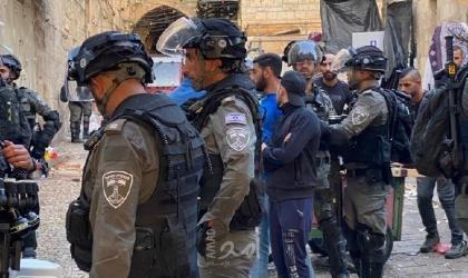 نادي الأسير: جيش الاحتلال يشن حملة اعتقالات واسعة في القدس طالت 45 مواطناً