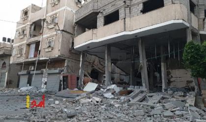 بالصور.. اثار الدمار لقصف طائرات الاحتلال بنك الانتاج وسط مدينة خانيونس- فيديو