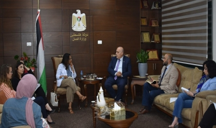 أبو جيش يبحث مع مديرة اليونسكو الجديدة عدة قضايا تتعلق بتطوير قطاع العمل