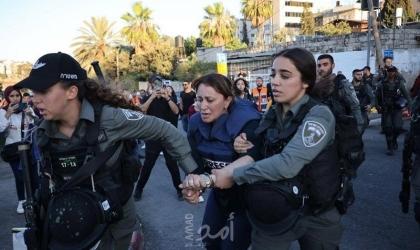 """قوات الاحتلال تعتقل الصحفية """"جيفارا البديري"""".. وقوى فلسطينية تدين وتستنكر - فيديو وصور"""