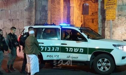 قوات الاحتلال تعتقل شابين من منطقة باب العامود بالقدس