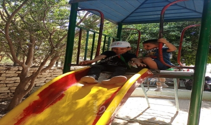 طولكرم: النضال الشعبي تنظم يوماً ترفيهياً للأطفال اليتامى في منتزه بنات يعقوب