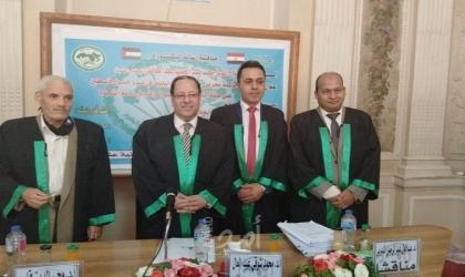 منح الباحث صلاح عبد العاطي شهادة الدكتوراة