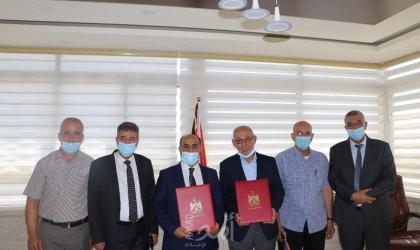 وزارة الزراعة وجمعية المشروع الإنشائي العربي توقعان مذكرة تفاهم في رام الله