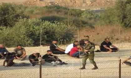 قوات الاحتلال تلاحق العمال وتعتدي عليهم قرب جدار الفصل العنصري بالضفة