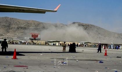 محدث.. (3) انفجارات في محيط مطار كابول.. وعدد من القتلى العسكريين