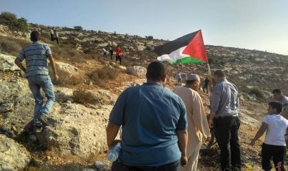الجلزون يزرع الزيتون لشهدائه بمناسبة يوم الشهيد الفلسطيني