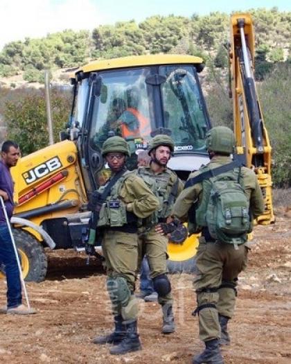 جيش الاحتلال يفرض غرامات مالية على ناشط حقوقي ومواطن في الأغوار