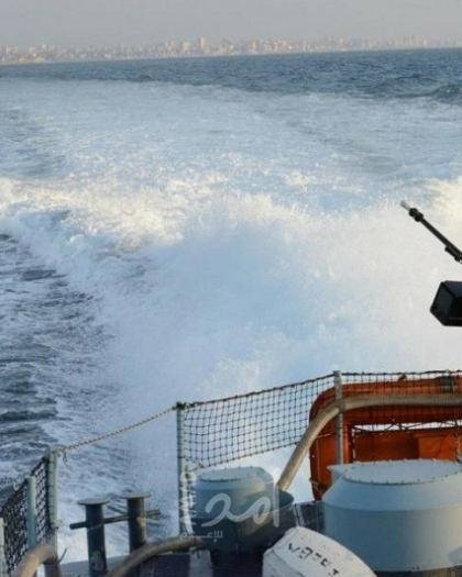 زوارق الاحتلال تهاجم مراكب الصيادين مقابل بحر غزة