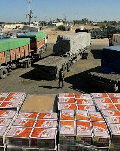 اقتصاد غزة: سلطات الاحتلال تمنع إدخال مواد البناء والألمونيوم والخشب والمواد الخام للمصانع