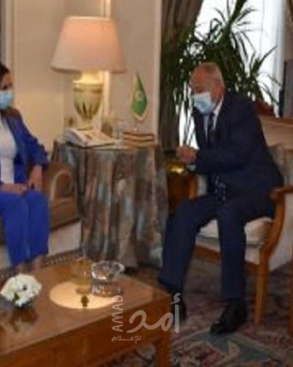 أبو الغيط يستقبل وزيرة إعلام لبنان ويحذر من مخاطر استمرار الانسداد السياسى