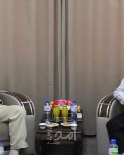 السنوار والمصري يبحثان سبل النهوض بالمشروع الوطني الفلسطيني