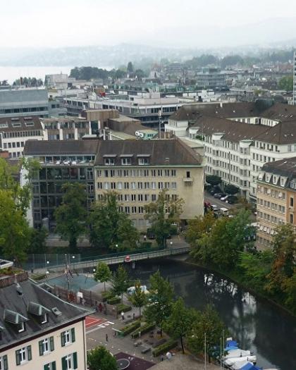 سويسرا تقدم وجبات مجانية وتذاكر سينما لمن يقنع غيره بتلقي لقاح كورونا